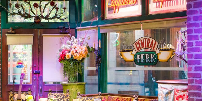 """""""Friends"""" Central Perk Will Come to Life This Fall"""