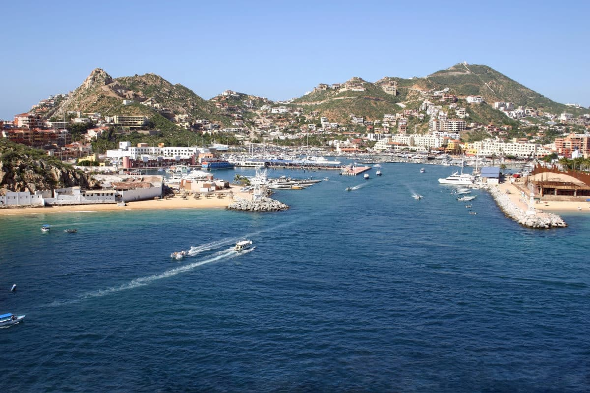 GlobeQuest Travel Club Explores Marina Cabo San Lucas
