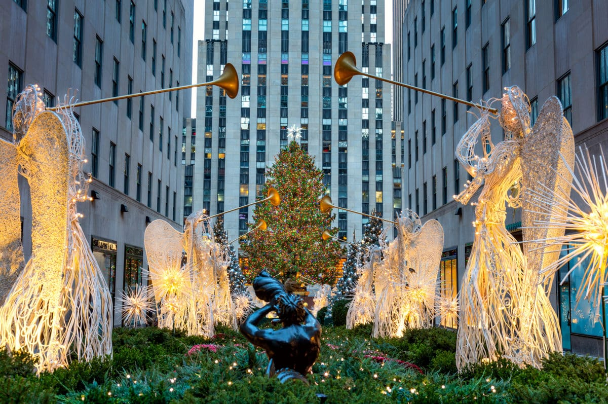 Holidays lounge explores holidays in new york city for Home holidays new york manhattan