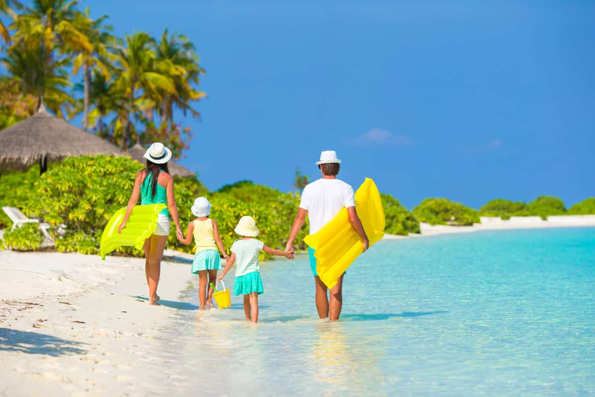 Travel Zoom Pro Explores the Southern Caribbean for 2017 Planning