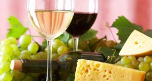 Holidays Lounge Explores Hawaii Food & Wine Festival this fall