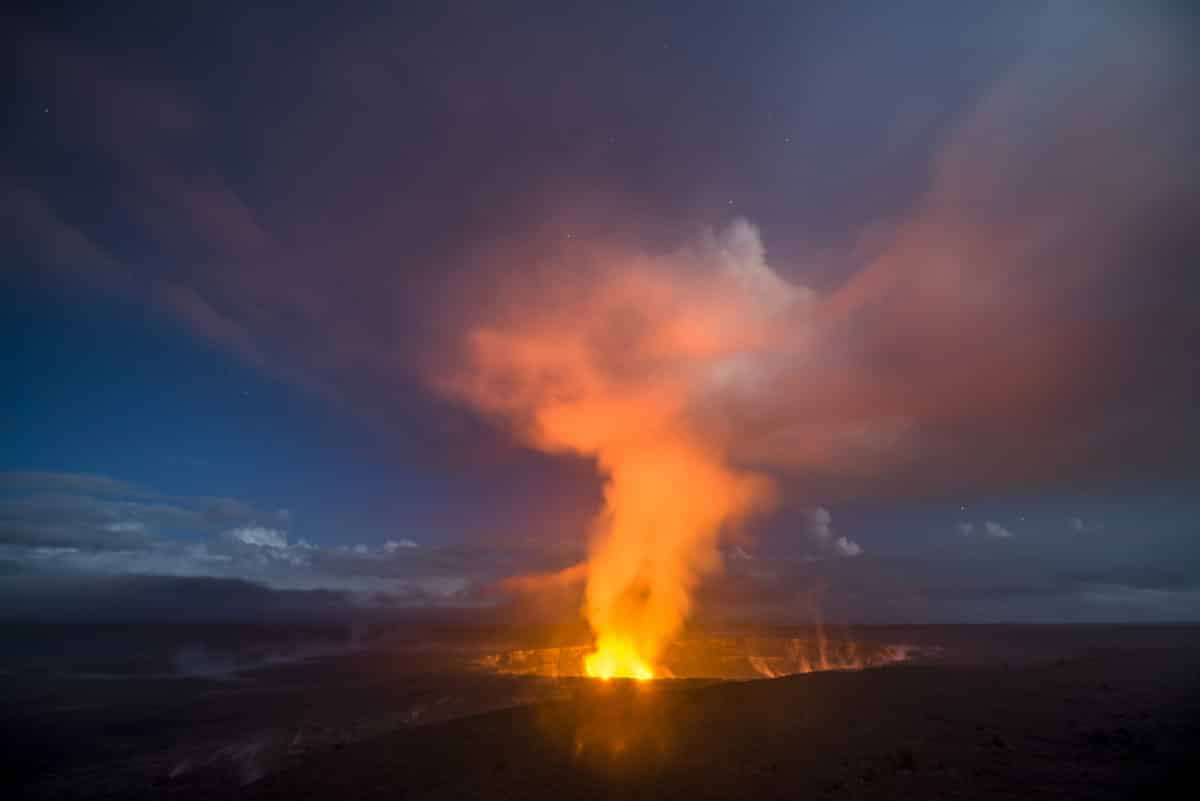 Travel to Hawaii in Question as Volcano Erupts Again (1)