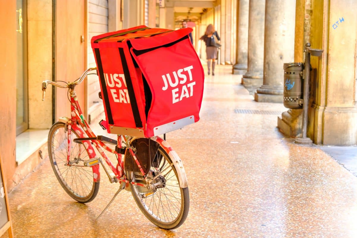 Online Food Delivery Trends Growing Fast (1)