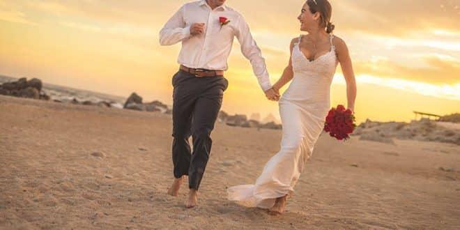 wedding couple at Cabo San Lucas