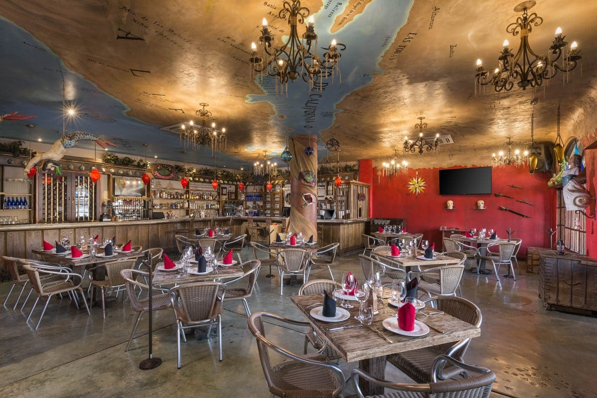 restaurant at Golden Zone