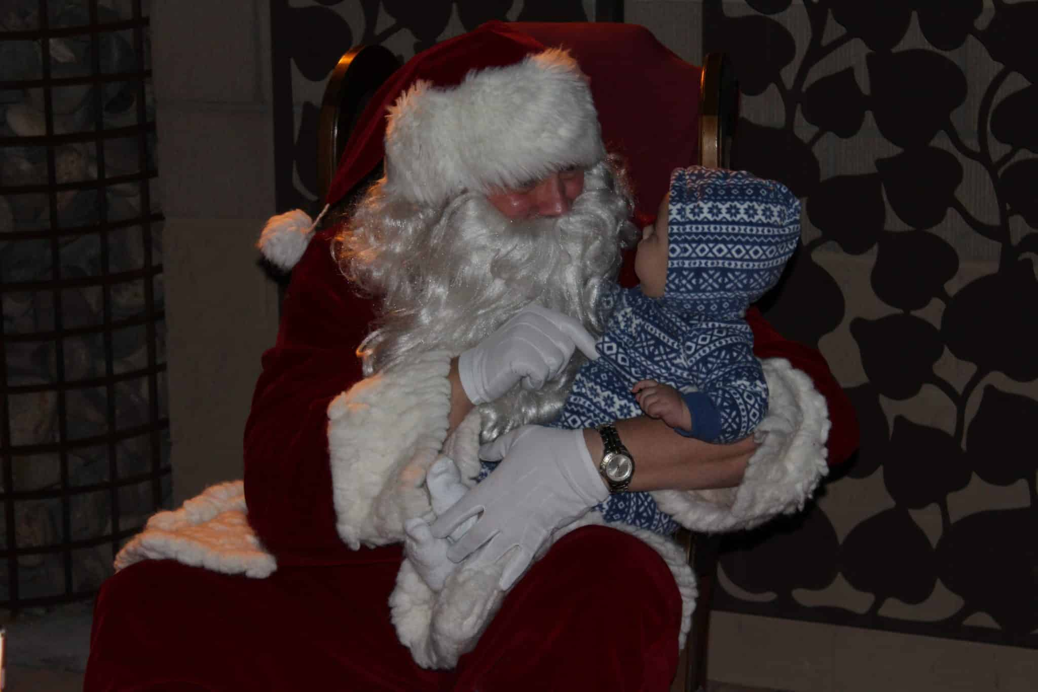 Fountain Hills Chamber of Commerce Presents Stroll In The Glow (4)