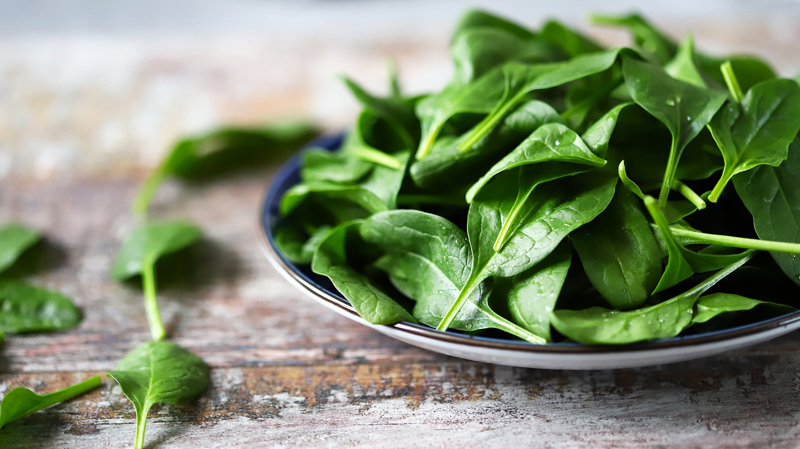 spinach - Top 7 Superfoods to Add to your Smoothie