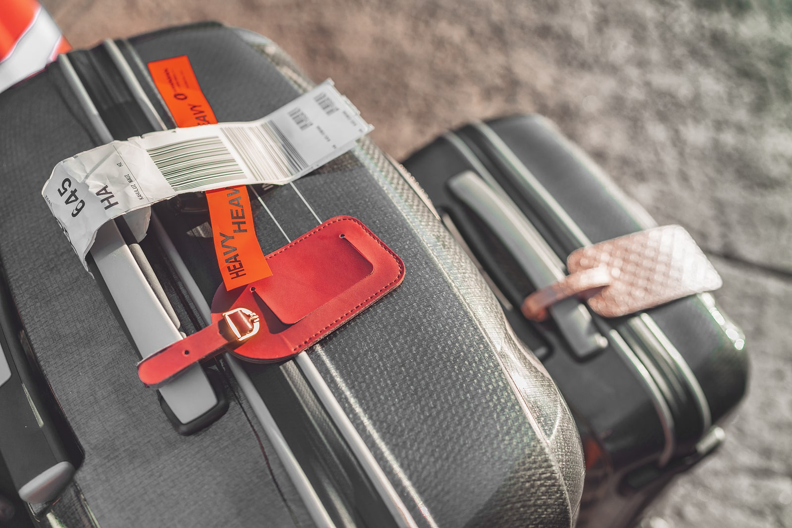 how to be safe when traveling
